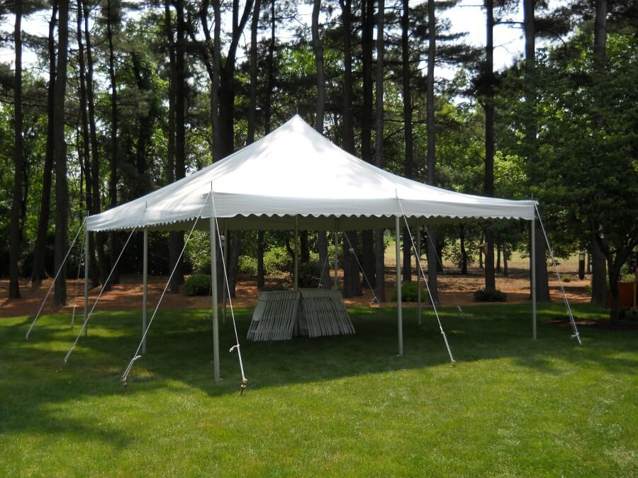 20'x20' Pole Tent With Garden
